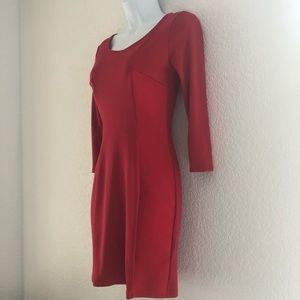H&M Red 3/4 sleeve dress